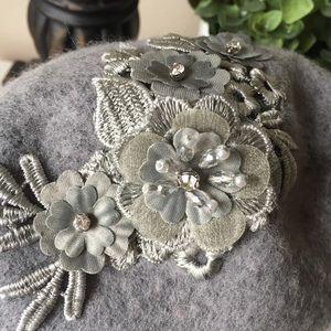 88b5269a928 August Hats Accessories - NEW AUGUST HATS Gray Wool Blend Applique Beret Hat